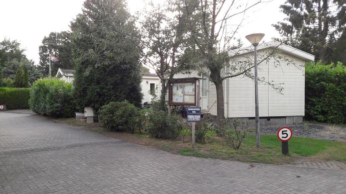 Recreatiebungalows op de Veluwe worden niet altijd gebruikt voor recreatie, maar ook voor permanente bewoning. Het programma Vitale Vakantieparken is opgezet om de vakantieparken weer om te vormen tot recreatiebedrijven.