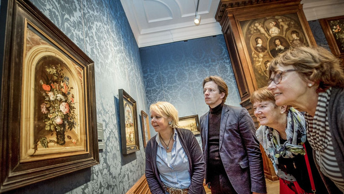 Het onlangs aangeschafte werk van Roelant Savery is vanaf nu te zien in het Mauritshuis