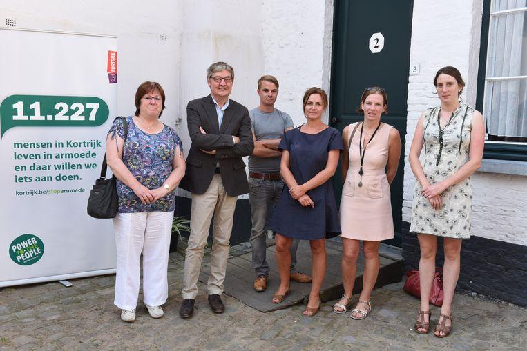 De voorstelling van Mission in september 2016 met toen (vlnr.) An Spriet, Philippe De Coene, regisseur armoedebestrijding Maarten François, Howest-medewerker Inge Platteeuw, OCMW-directeur Nele Hofman en Vives-medewerker Nele Cox.