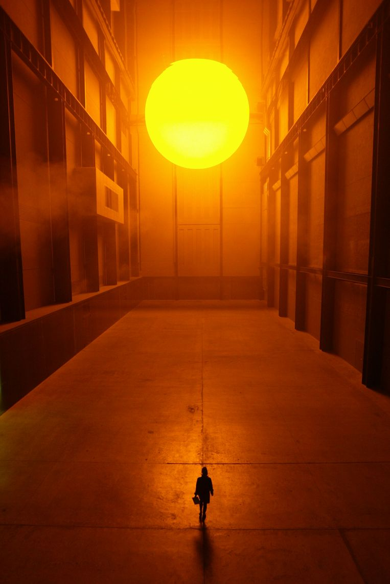 Olaf Eliasson, The Weather Project, 2003, project in Tate Modern, Londen. Beeld Peter Macdiarmid / Getty