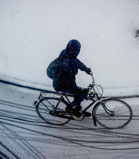 Winterband in trek bij glibberende e-bike-fietsers