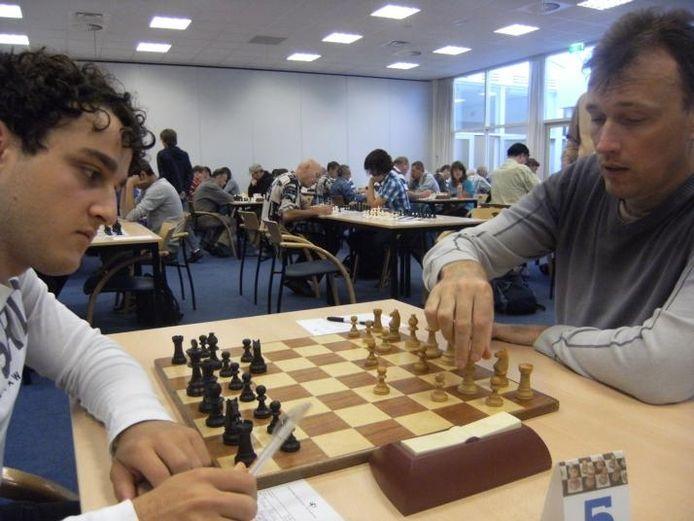 Armen Hachijan (l.) in actie op een archieffoto van het 'Homburg Open'. foto Homburg Open