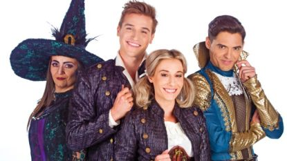 Zie jij welke actrice uit 'De Buurtpolitie' er schuilt achter deze heks uit 'Hans en Grietje'?