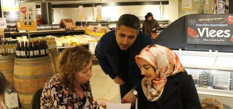 Hulpvragen achter de diepvries: Kletstafel in de Jumbo van Oisterwijk van start