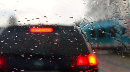 """VAB: """"Vandaag al 30 procent meer ongevallen door regen"""""""