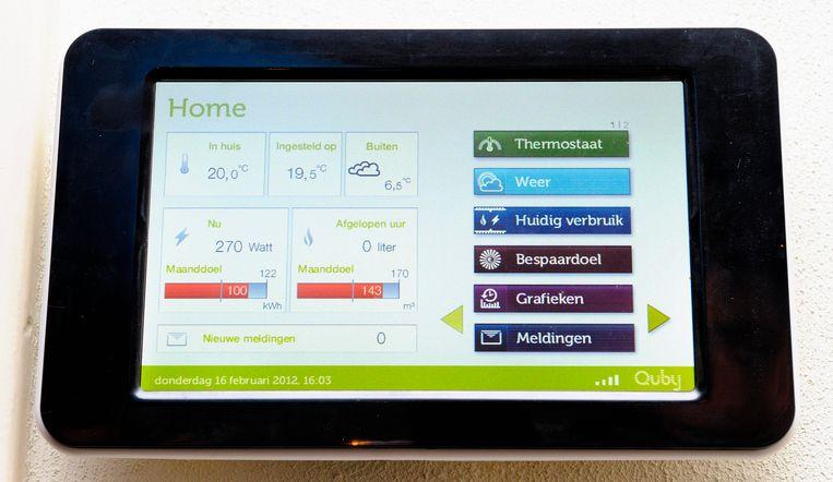 Nederlanders hebben steeds meer slimme apparaten in huis, zoals een thermostaat waarmee op afstand de kamertemperatuur is te regelen. Beeld ANP