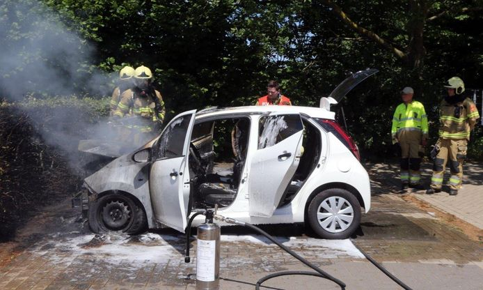 Auto uitgebrand in Vught.