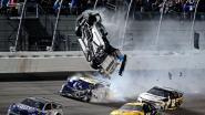 Spectaculaire beelden: zware crash overschaduwt slot van Daytona 500