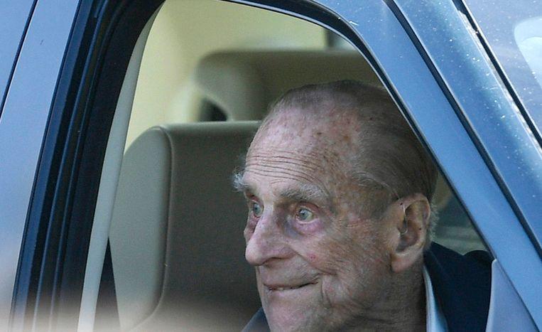 Prins Philip leverde na het ongeval vrijwillig zijn rijbewijs in.