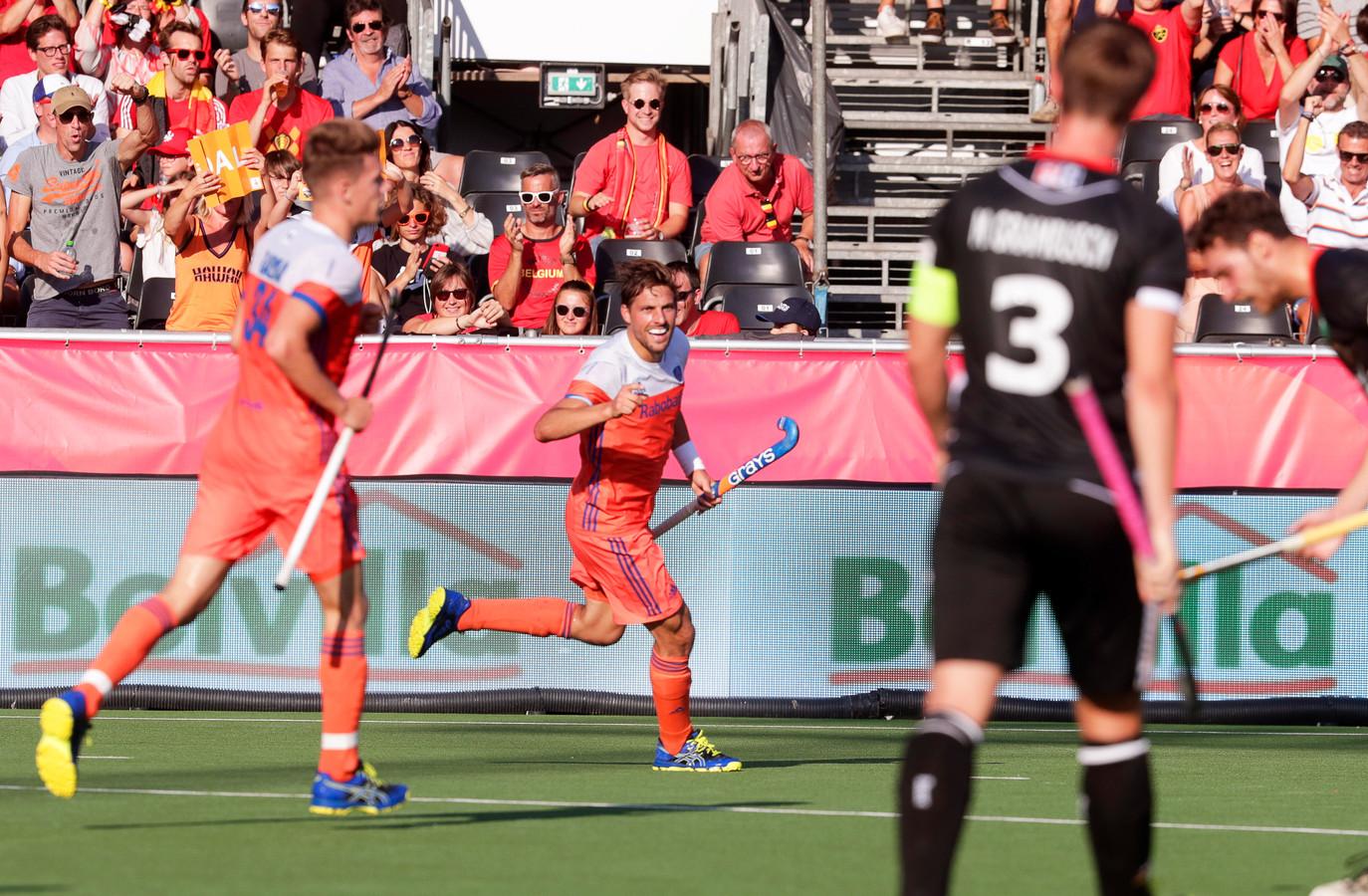 Bjorn Kellerman viert zijn goal.