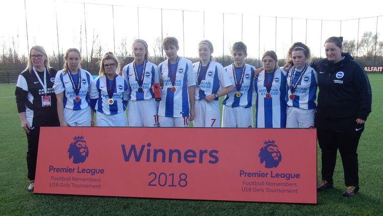 Het winnende meisjesteam.