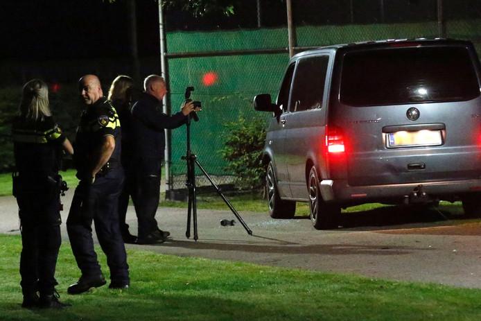 De gestolen bestelbus waarop de politie heeft geschoten.