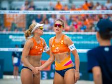Nederlandse beachvolleybalvrouwen Van Iersel en Stubbe blijven in Apeldoorn