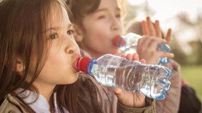 Plastics ontdekt in 90% van mineraalwater: ook bij topmerken als Evian en San Pellegrino