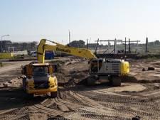 Parkeervlakte verhuist in zandwagens in Harderwijk