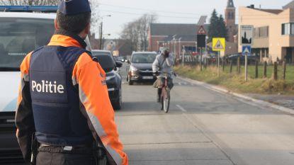 Ook strenge politiecontroles voor fietsers: 24 pv's wegens geen verlichting