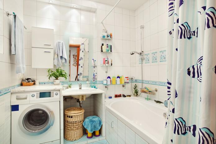 Het douchegordijn vervangen voor een wand hoeft geen vervelende klus te zijn, weet Hieke Grootendorst.