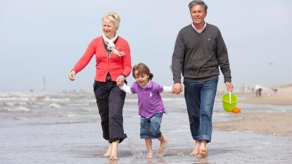 Steeds meer grootouders nemen kleinkinderen mee op vakantie (en betalen de rekening)