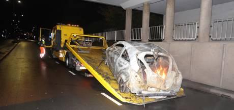 Vier afzonderlijke autobranden in Den Bosch in uur tijd