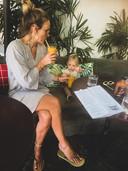 Nienke Siero met haar dochtertje Sammie op Bali.