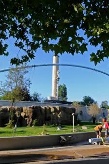 Gigantische netten in Blijdorp moeten  groep gelada-apen binnen houden