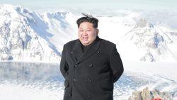 Kim Jong-un beklimt een berg, en dat is heel slecht nieuws