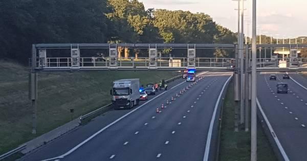 Vader verongelukt voor ogen van vrouw en dochter op Belgische snelweg.