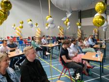 Diploma-uitreiking zonder toeters en bellen, maar mét ballonnen op het Baanderherencollege
