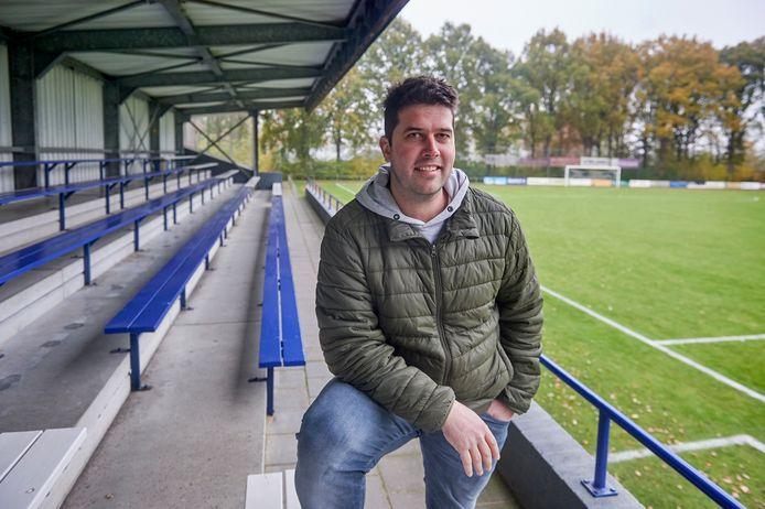 Maarten Lucius bij voetbalvereniging Heeswijk.