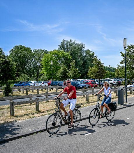 Nesselanders willen parkeergarage bij het strand