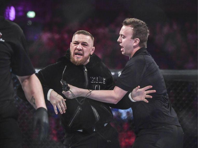 McGregor mengde zich begin november tijdens een Bellator-kamp in de kooi.