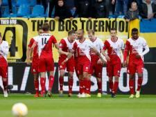 Advocaat loodst FC Utrecht de Europa League in bij laatste kunstje
