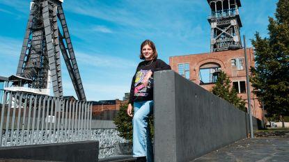 Naomi (18) start als enige Limburgse kleinkunstenaar aan het Antwerpse Conservatorium