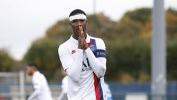 Transfer Talk. Standard huurt verdediger van PSG - Januzaj dit weekend van AS Roma? - Antwerp dicht bij Kroatische keeper