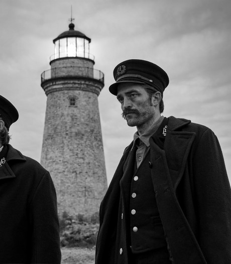 Tieneridool Robert Pattinson schittert in fascinerende vertelling The Lighthouse