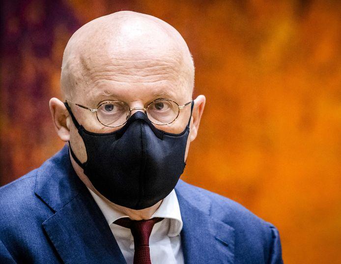 Ferd Grapperhaus, minister van Justitie en Veiligheid, in de Tweede Kamer.