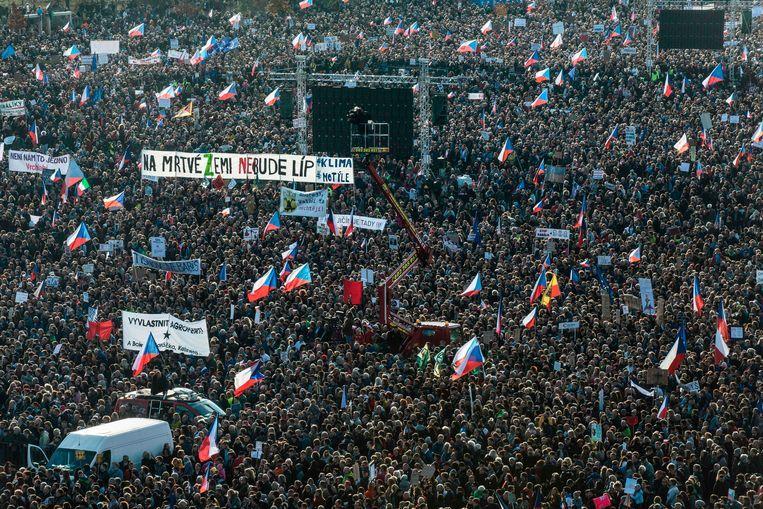 Protest zaterdag in Praag tegen de Tsjechische premier Andrej Babiš. Beeld AFP