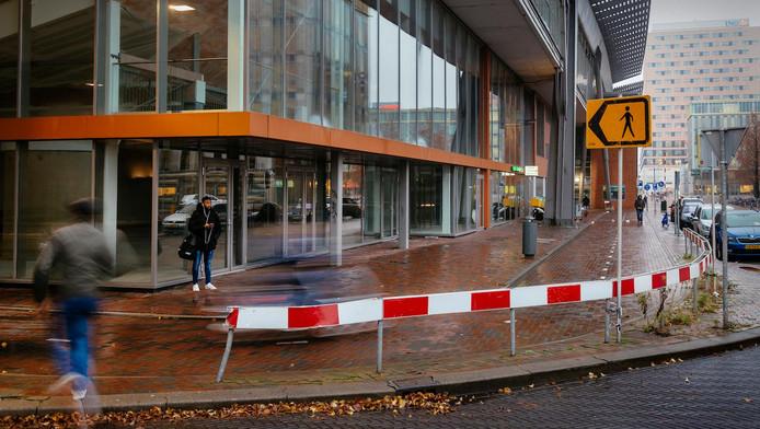 De locatie waar Roots dinsdag de deuren opent: Hoekenrode naast station Bijlmer Arena.