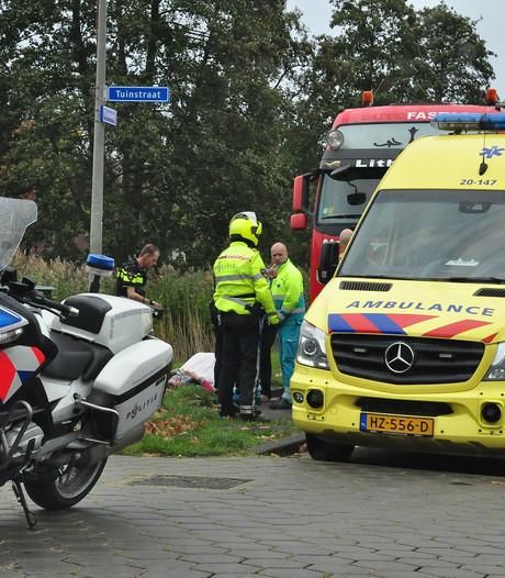 Vrouw valt uit cabine van vrachtwagen in Waalwijk: gewond aan gezicht