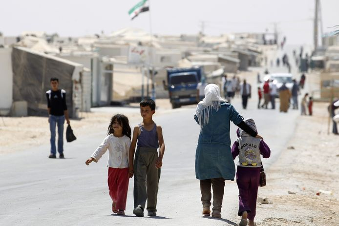 Kinderen moeten onder moeilijke omstandigheden overleven, sinds de oorlog in Syrië.