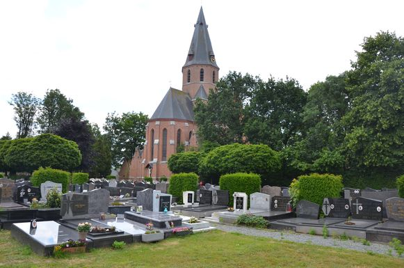 De eerste ontruiming start maandag op de begraafplaats op de Ruiter.