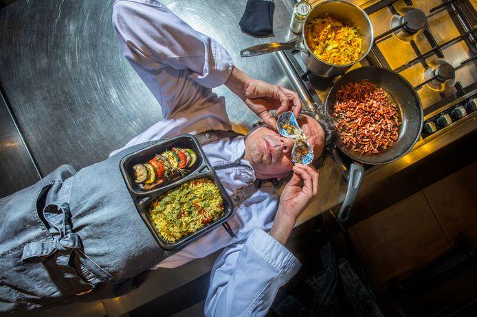 Delftenaar Yuri Verbeek kookt niet alleen goed, hij begeeft zich daarbij ook op het vlak van performance art.