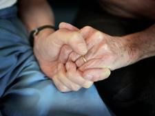 Hoe mantelzorgers worstelen in een moeras van wetten en regels