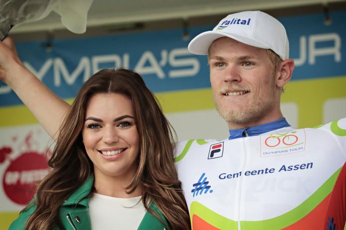 Julius Johansen wint een etappe van de Olympia's Tour.