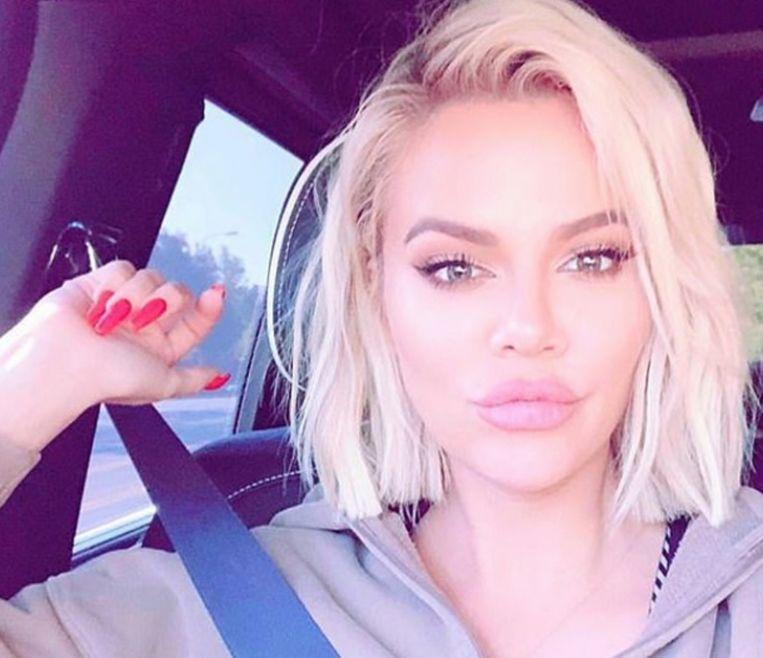 Khloé Kardashian toonde haar dikke lippen in een selfie.