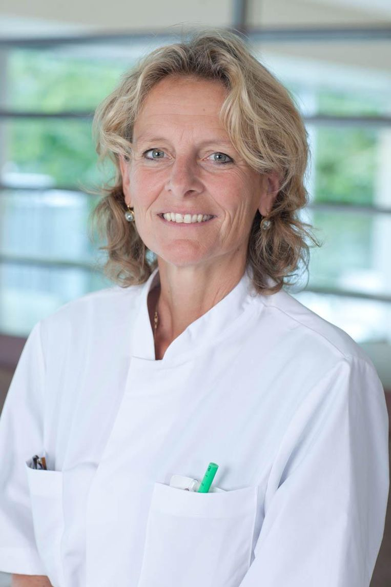 Borstkankerchirurg Hester Oldenburg. Beeld