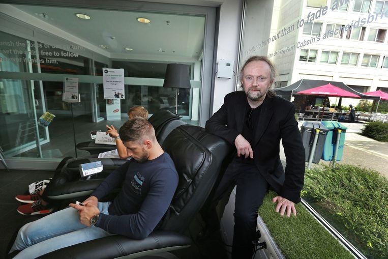 Geurexpert Peter De Cupere in de relaxhoek.