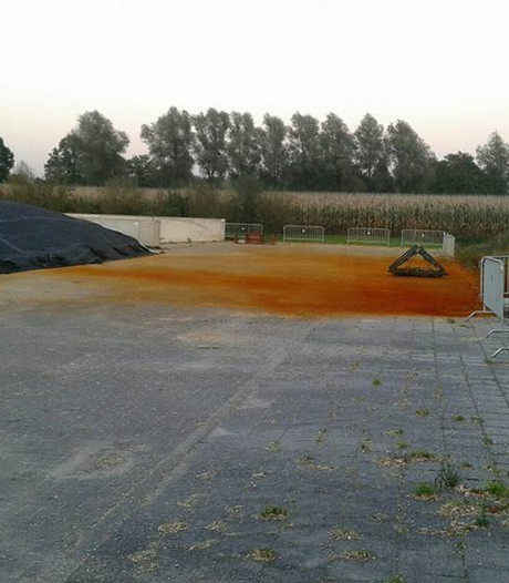 Erf van Weerselose boerderij kleurt roodbruin na gasincident