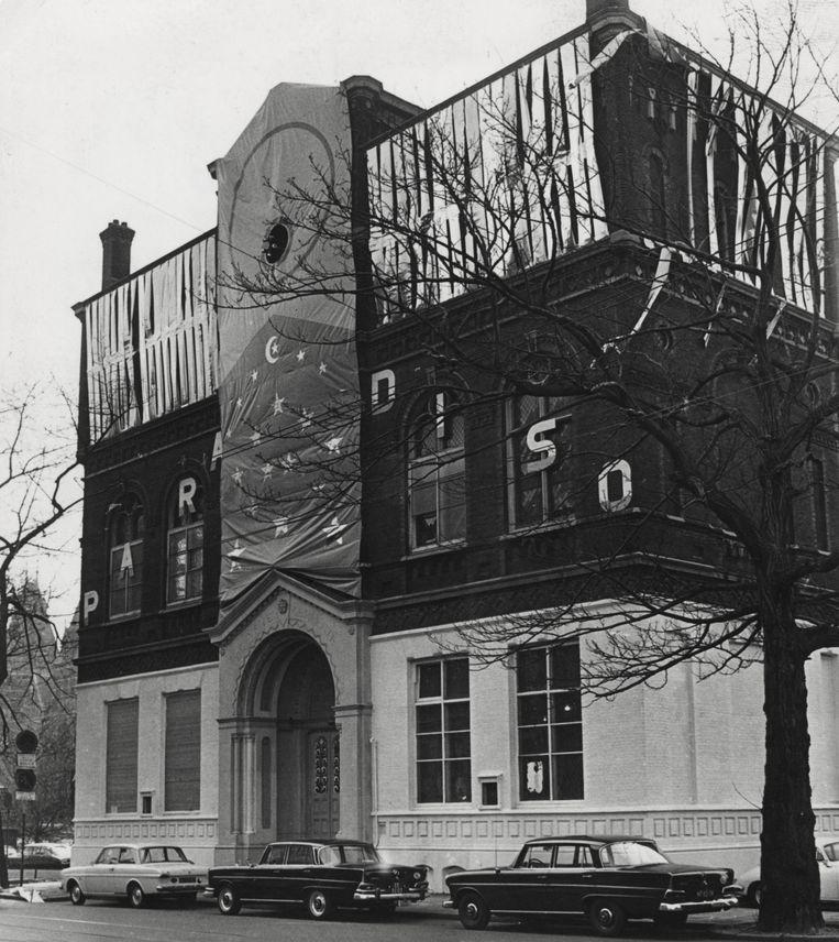 Opening in 1968 van de verbouwde kerk van de Vrije Gemeente, vanaf dan Paradiso.  Beeld Nationaal Archief/Collectie Spaarnestad/IISG/AHF/Ben van Meerendonk