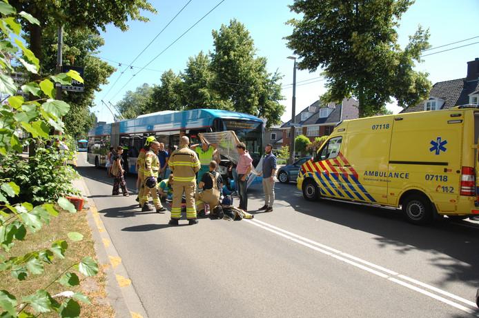 Ongeluk op de Velperweg tussen een trolleybus in een scootmobiel.